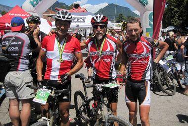 TransAlp —8 этап — Каждому финишеру вручается специальная медаль